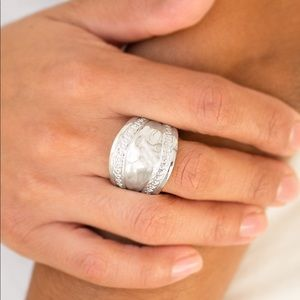 Paparazzi Sunset Groove Silver Stretchy Back Ring